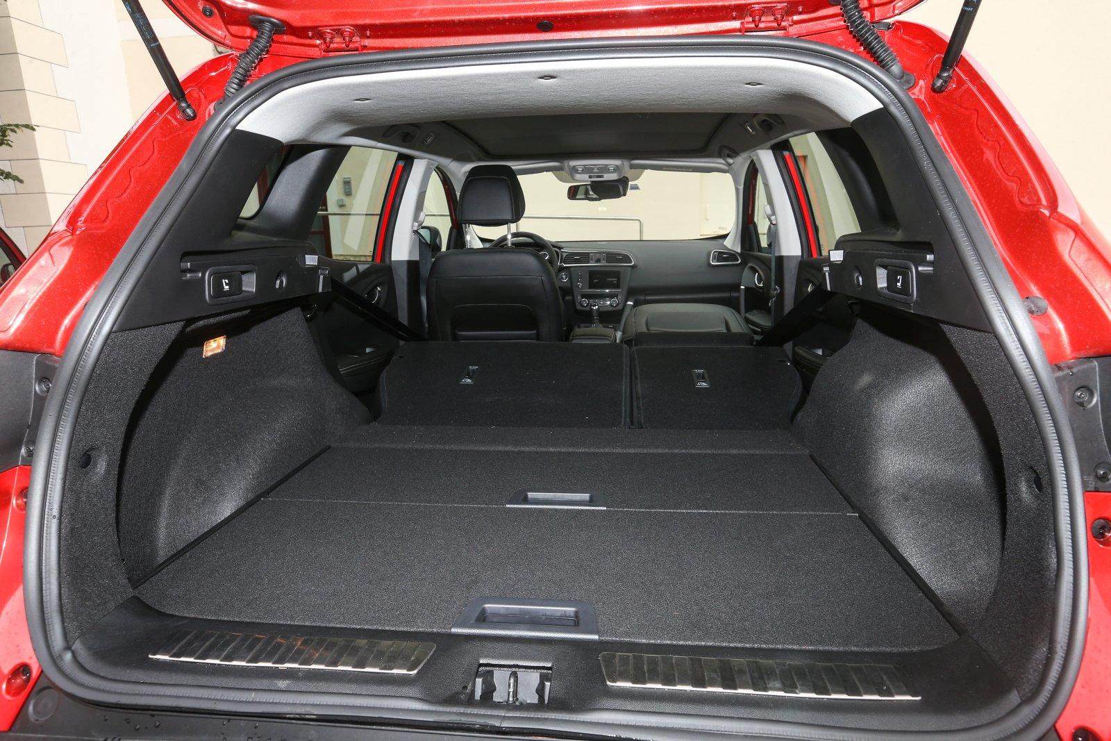 renault kadjar dci 130 4wd bose alles auto. Black Bedroom Furniture Sets. Home Design Ideas
