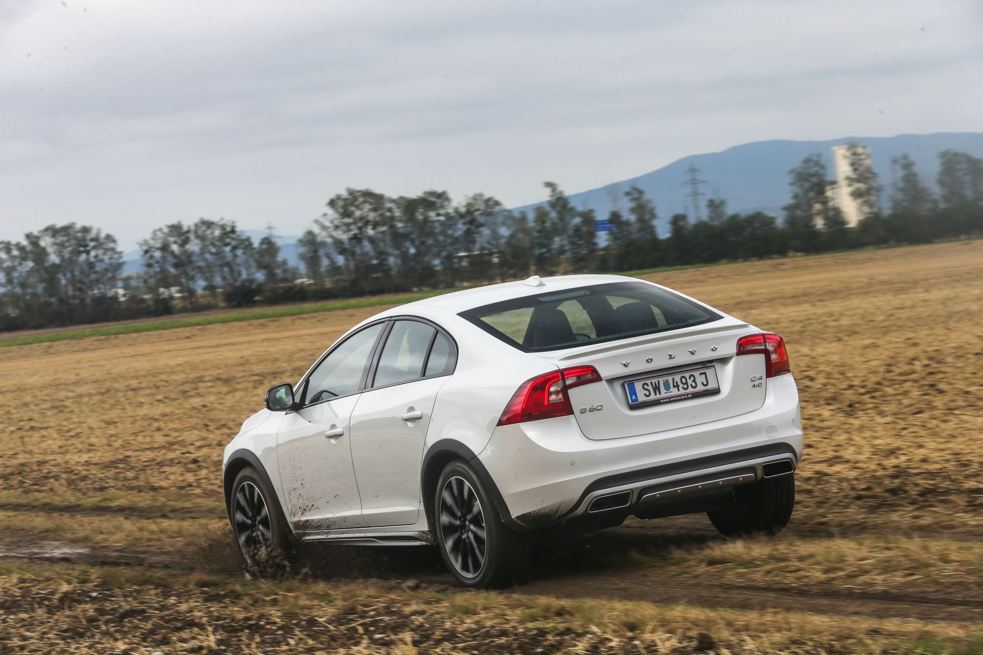 volvo s60 cross country d4 awd summum alles auto. Black Bedroom Furniture Sets. Home Design Ideas
