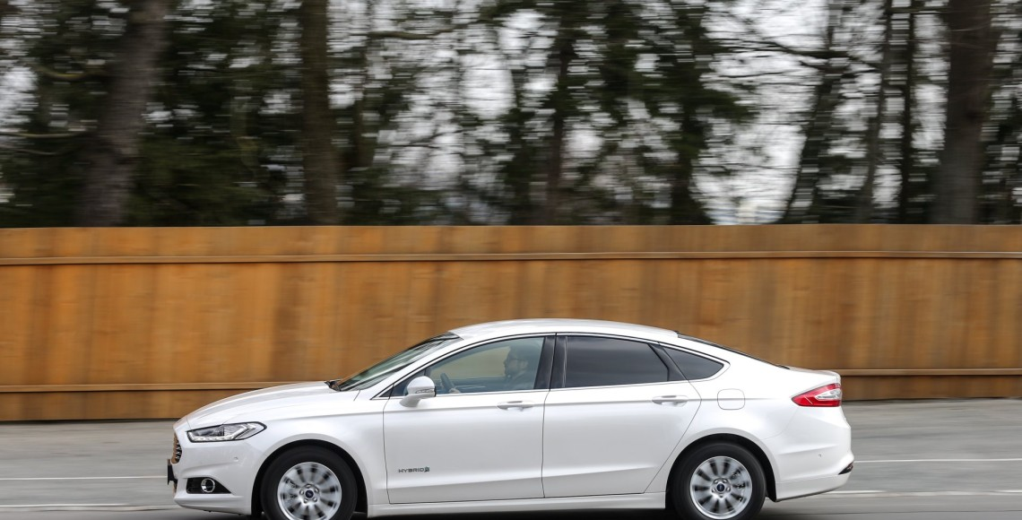 ford_mondeo_hybrid_02_may