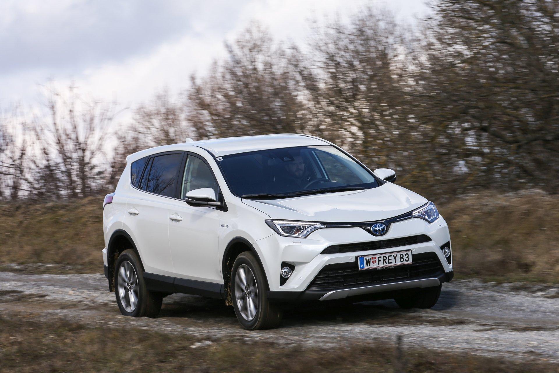 TEST: Toyota RAV4 2,5 Hybrid Lounge 4WD  ALLES AUTO