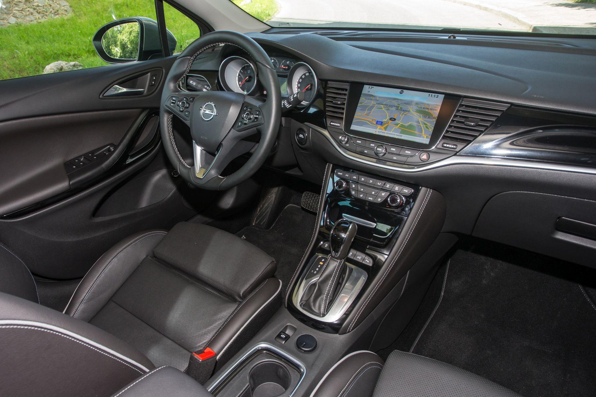 test opel astra sports tourer 1 4 turbo innovation aut alles auto. Black Bedroom Furniture Sets. Home Design Ideas