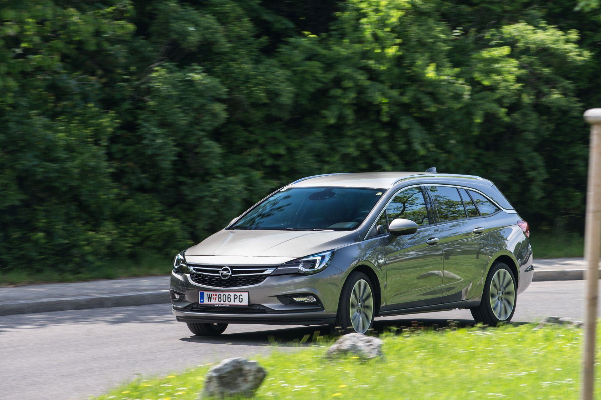test opel astra sports tourer 1 4 turbo innovation aut alles auto. Black Bedroom Furniture Sets. Home Design Ideas