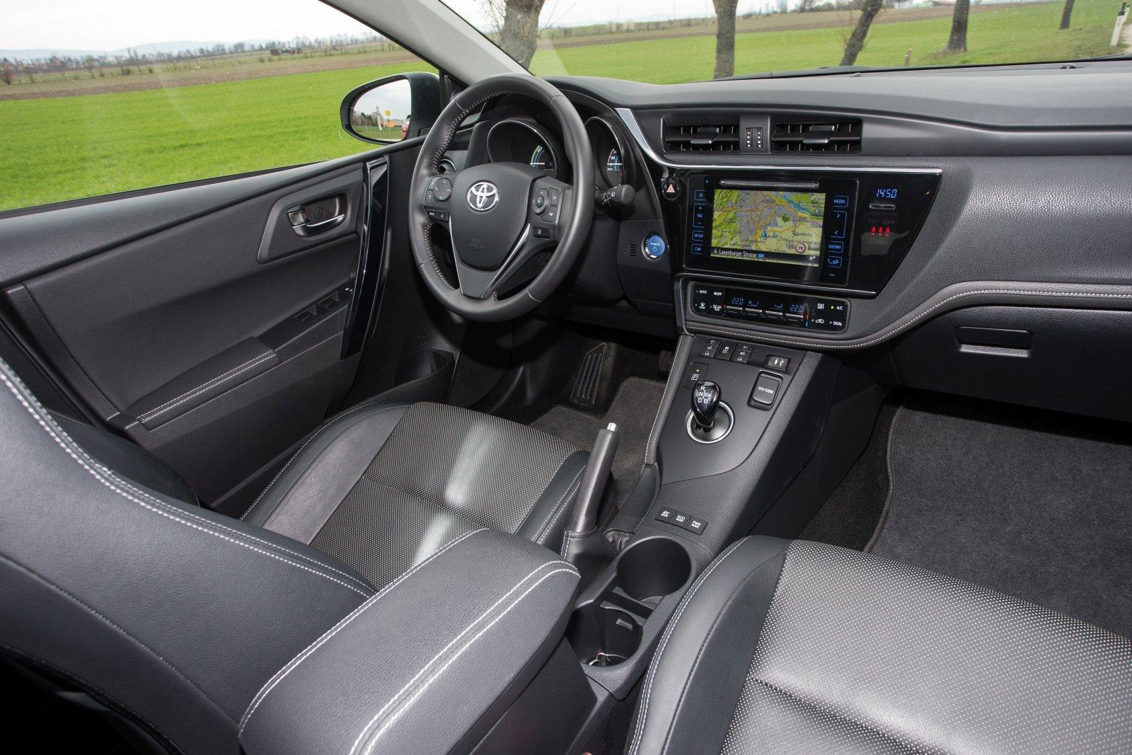 Toyota Auris Hybrid Touring Sports