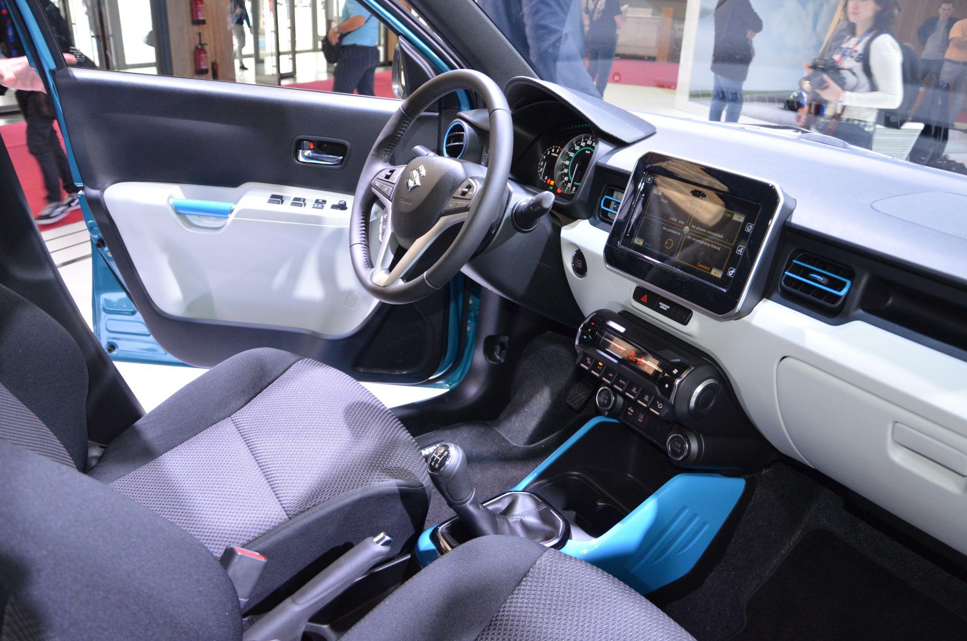 Probesitzen In Paris Suzuki Ignis