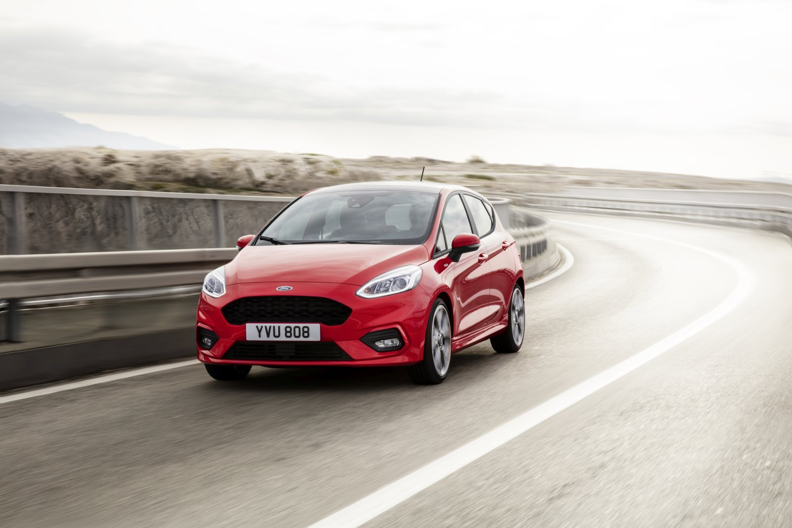 Ford_fiesta2016_st line_34_front_driving_13