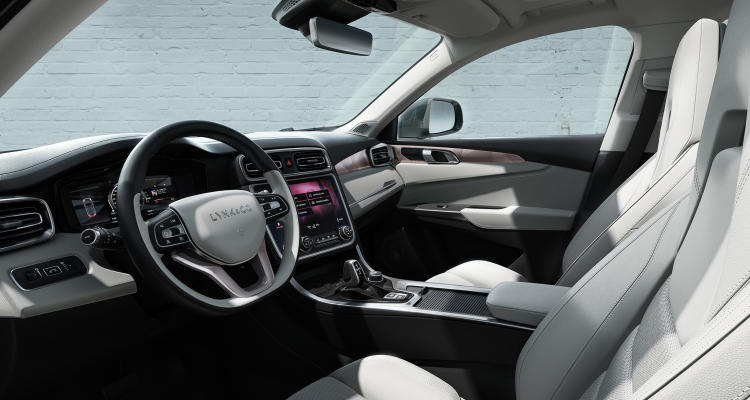 Lynk-and-Co-01-interior-03