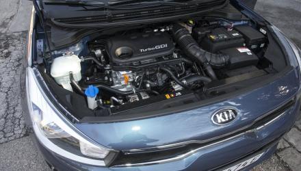 Kräftig im Antritt, erstaunlich leise: Das Einzige, was am Benziner nicht gefällt, ist das Turboloch.