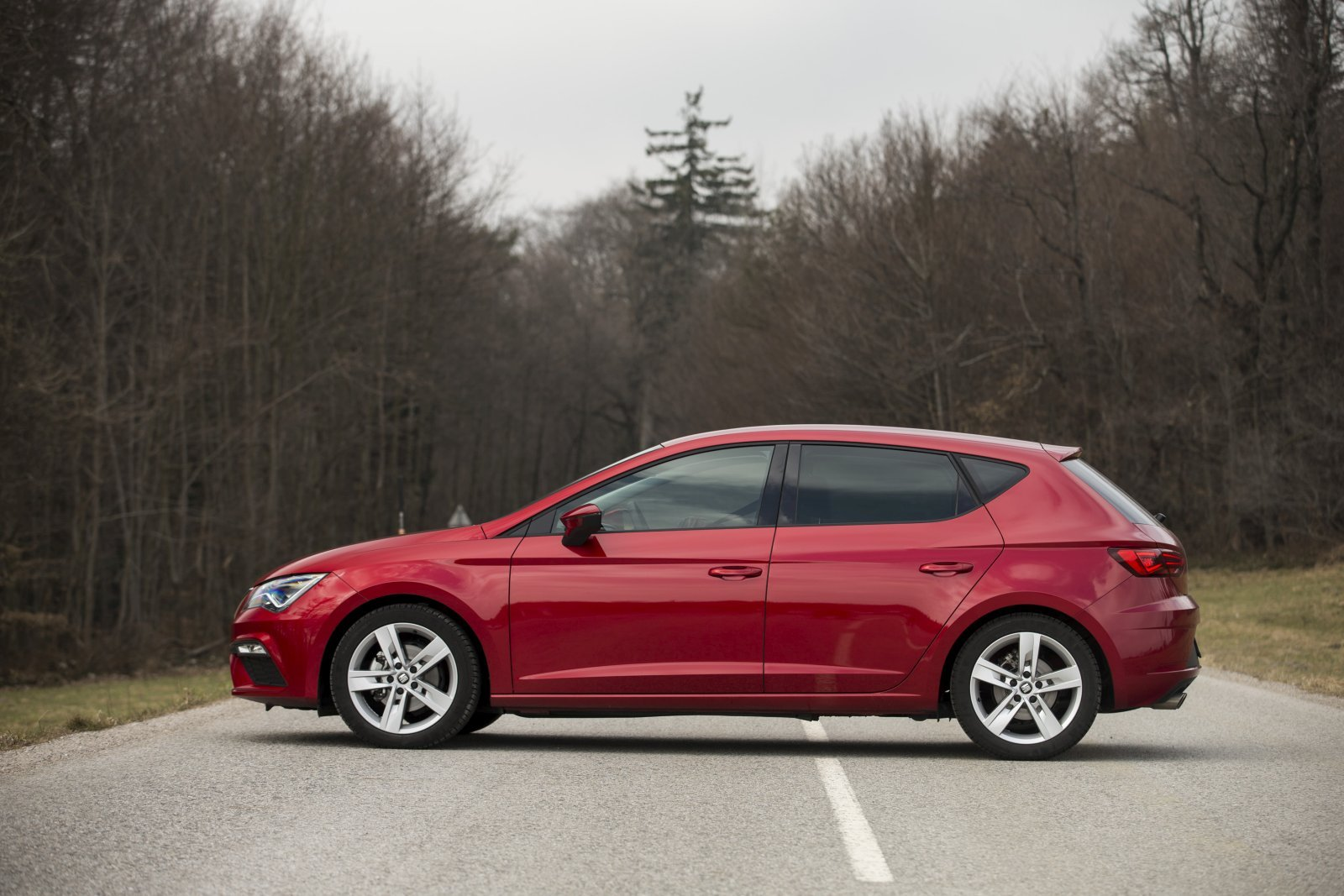 test seat leon fr 1 4 tsi fast lane alles auto. Black Bedroom Furniture Sets. Home Design Ideas
