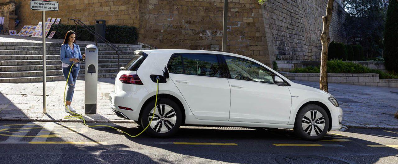 Elektroautos sind aufgrund ihres unsicheren Restwerts vor allem ein Thema für Operating-Leasing, bei dem die Leasing-Anbieter das Verwertungsrisiko tragen