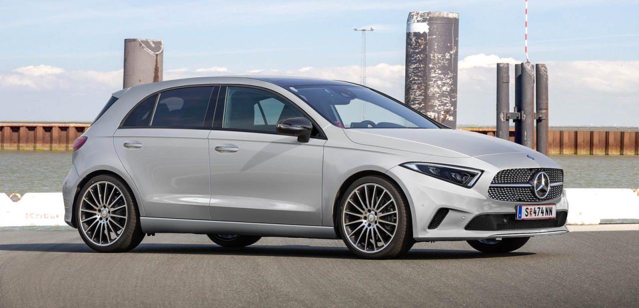 Die nächste Mercedes A-Klasse wird schnittiger und zugleich geräumiger. Dazu folgt sie der schon beim E-Coupé präsentierten neue Designlinie mit sanfter Licht-Schatten-Reflexion statt harten Kanten
