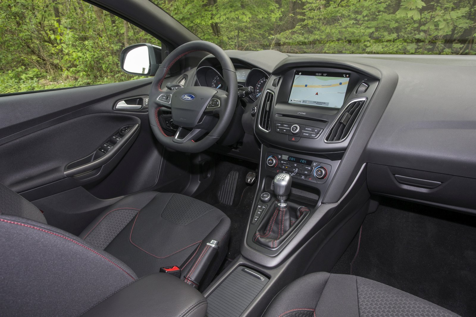 test ford focus 1 5 ecoboost st line red edition alles auto. Black Bedroom Furniture Sets. Home Design Ideas