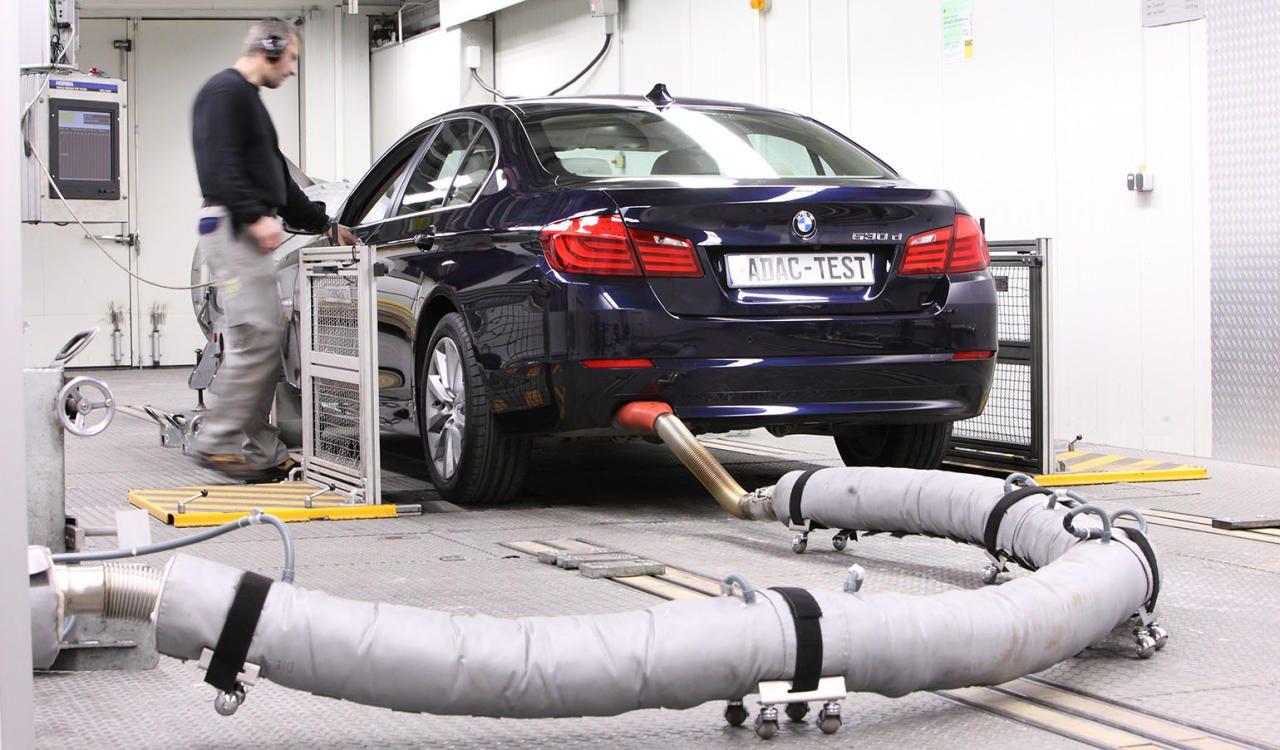 Am Anfang war die VW-Schummelei auf dem Prüfstand. Diese hat den Ruf des Selbstzünders nach- haltig zerstört. Wir erklären, wie es wirklich um die Diesel-Abgase steht.