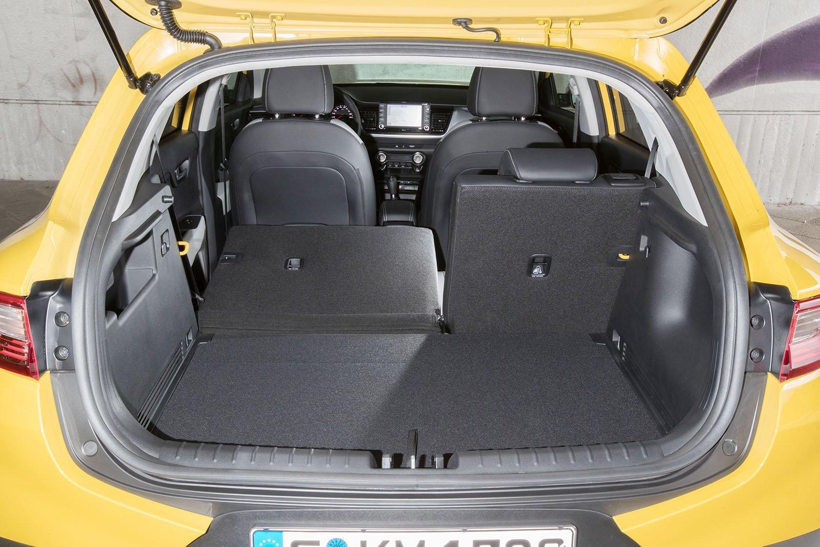 neue schon gefahren kia stonic alles auto. Black Bedroom Furniture Sets. Home Design Ideas