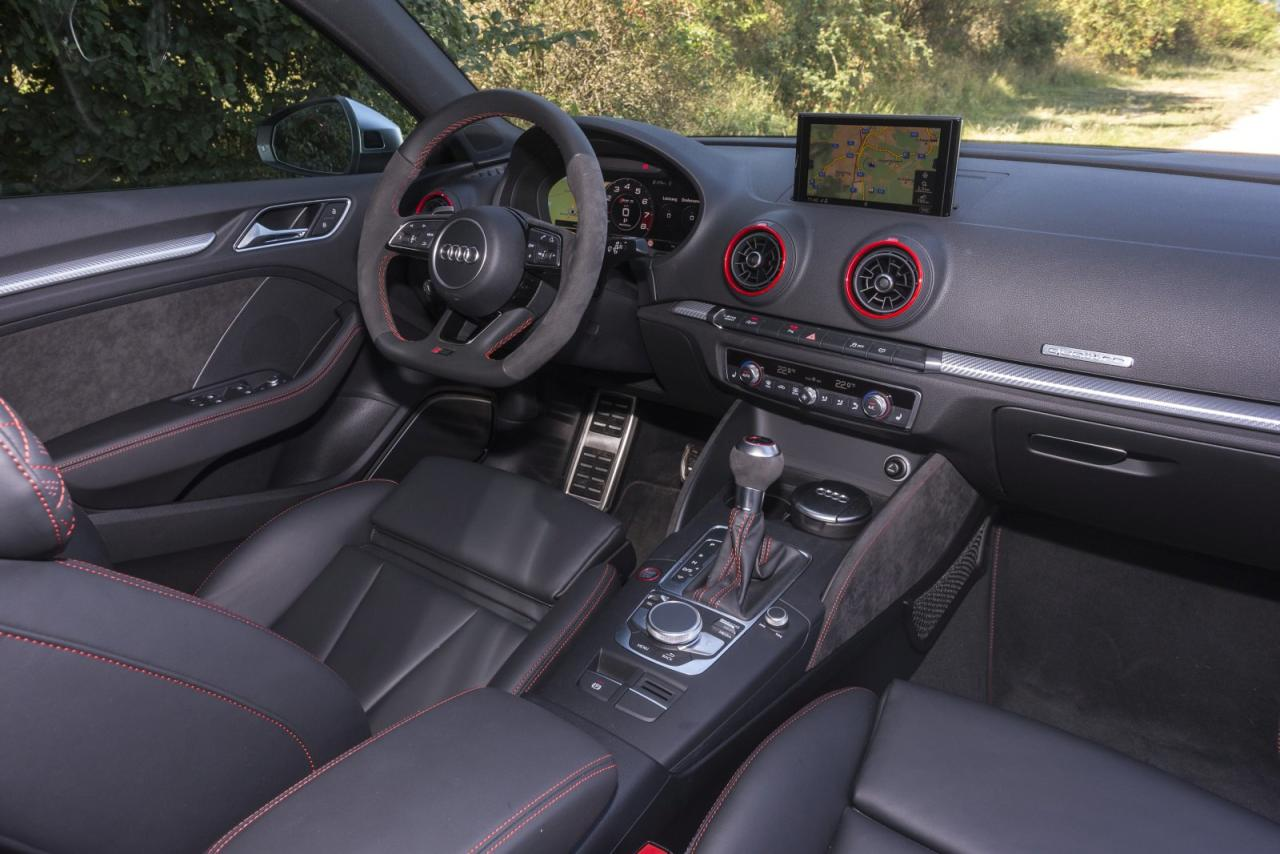 test audi rs 3 sportback alles auto. Black Bedroom Furniture Sets. Home Design Ideas