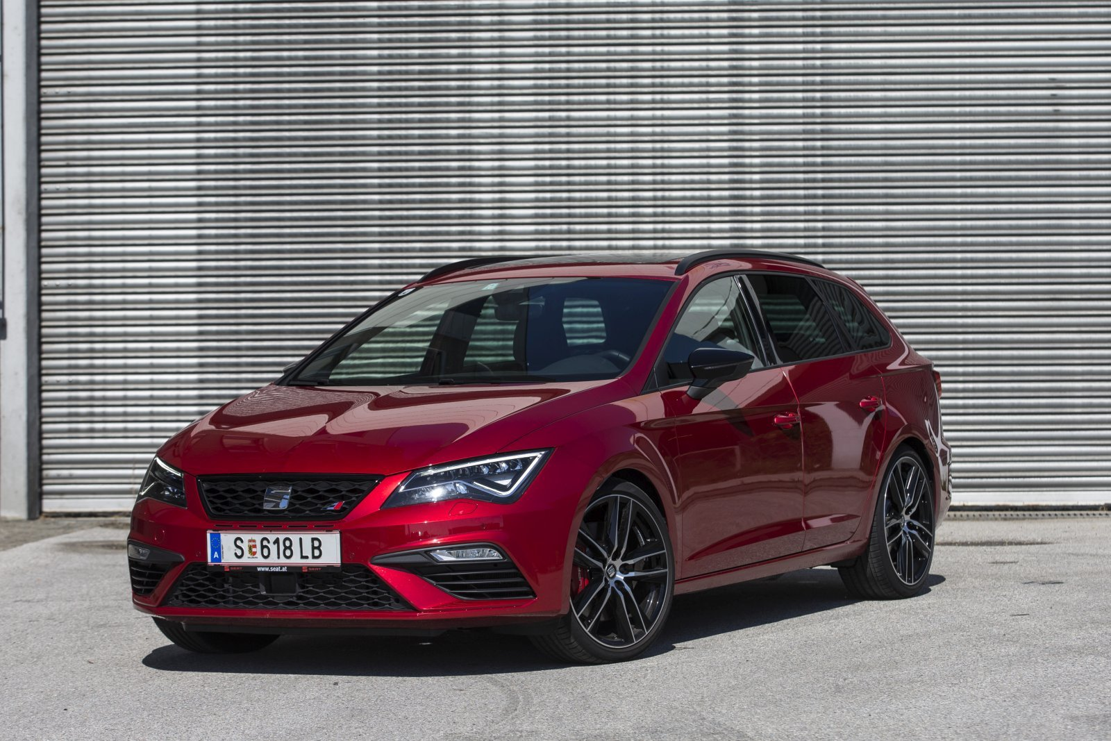 test seat leon st cupra 300 tsi dgs 4drive alles auto. Black Bedroom Furniture Sets. Home Design Ideas
