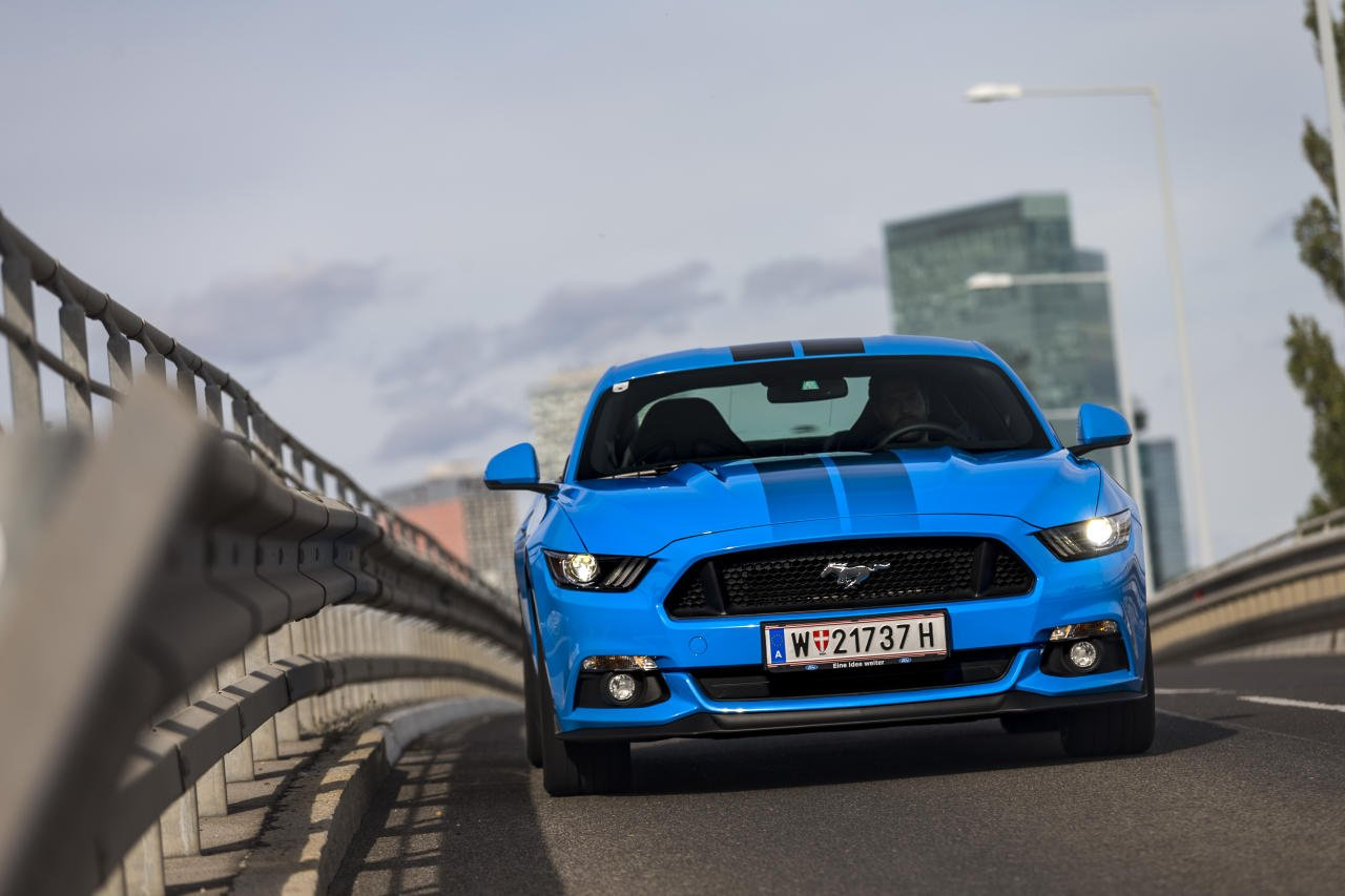 ford_mustang_gt_blue_edition_06_may