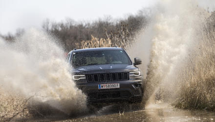 jeep_grand_cherokee_trailhawk_11_may