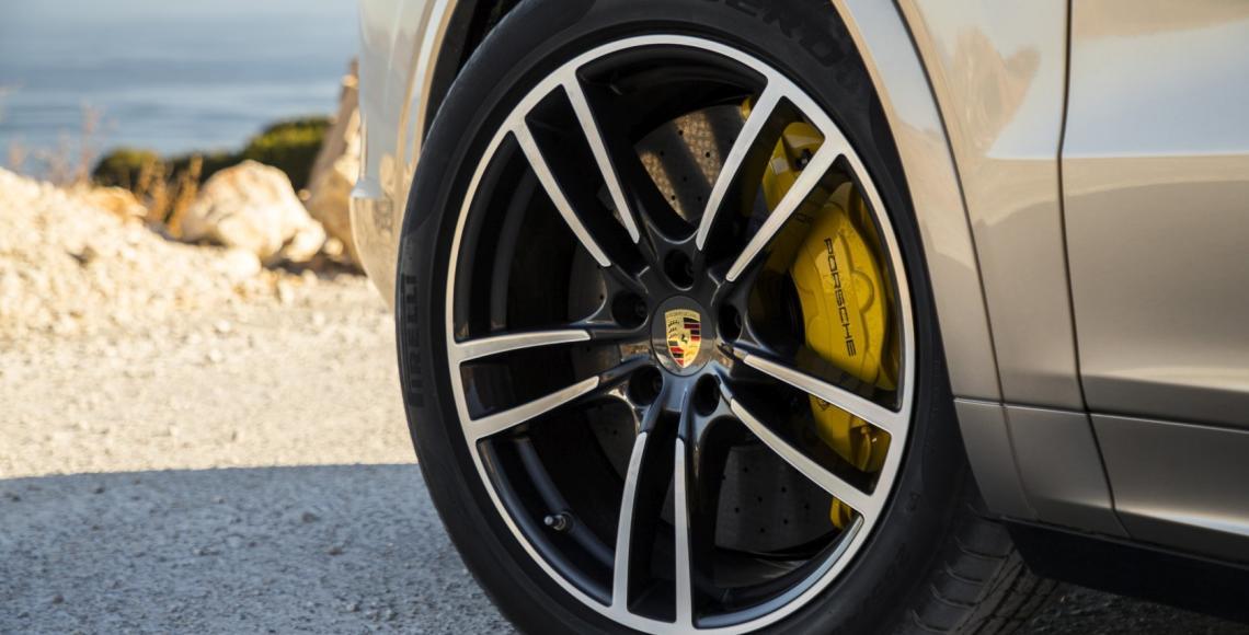 64_Porsche Cayenne