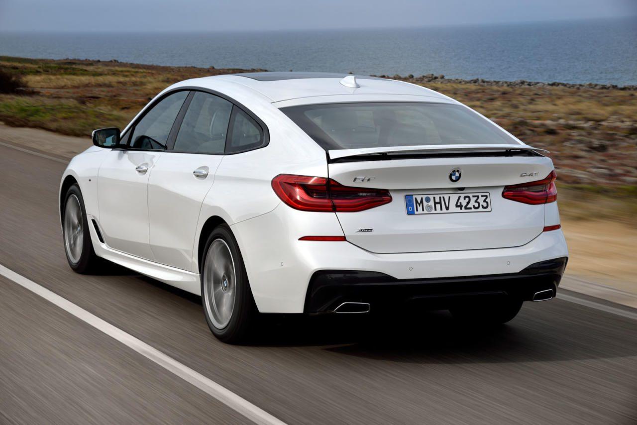 Aus fünf mach sechs: BMWs neuer großer GT ist in die 6er-Baureihe aufgerückt. Die flachere Linie verlangt nach einem ausfahrbaren Spoiler am Heck für genügend Anpressdruck bei höherem Tempo.