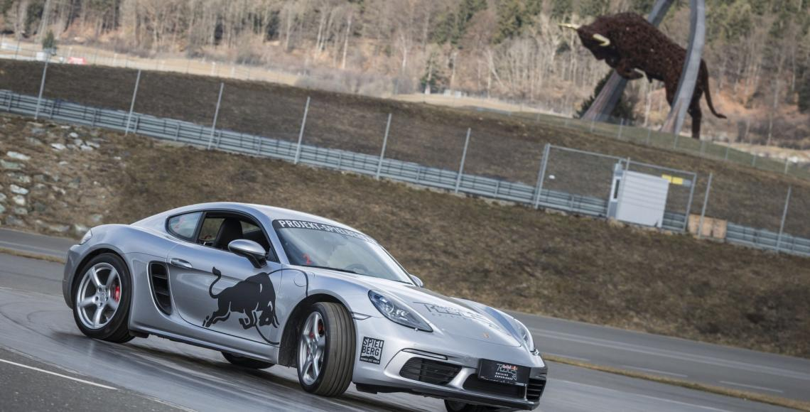 Neue Fahrerlebnisse Porsche Drift © Philip Platzer Red Bull Content Pool