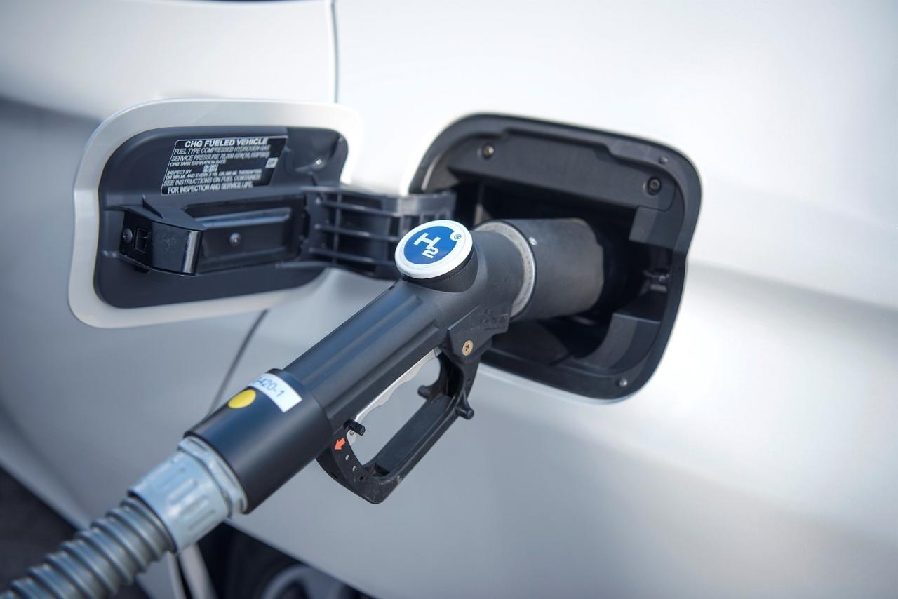 Brennstoffzellen-Technik: Ihr Vorteil gegenüber Batterie-elektrischen Fahrzeugen sind solide Reichweite und schnelle Tankvorgänge.