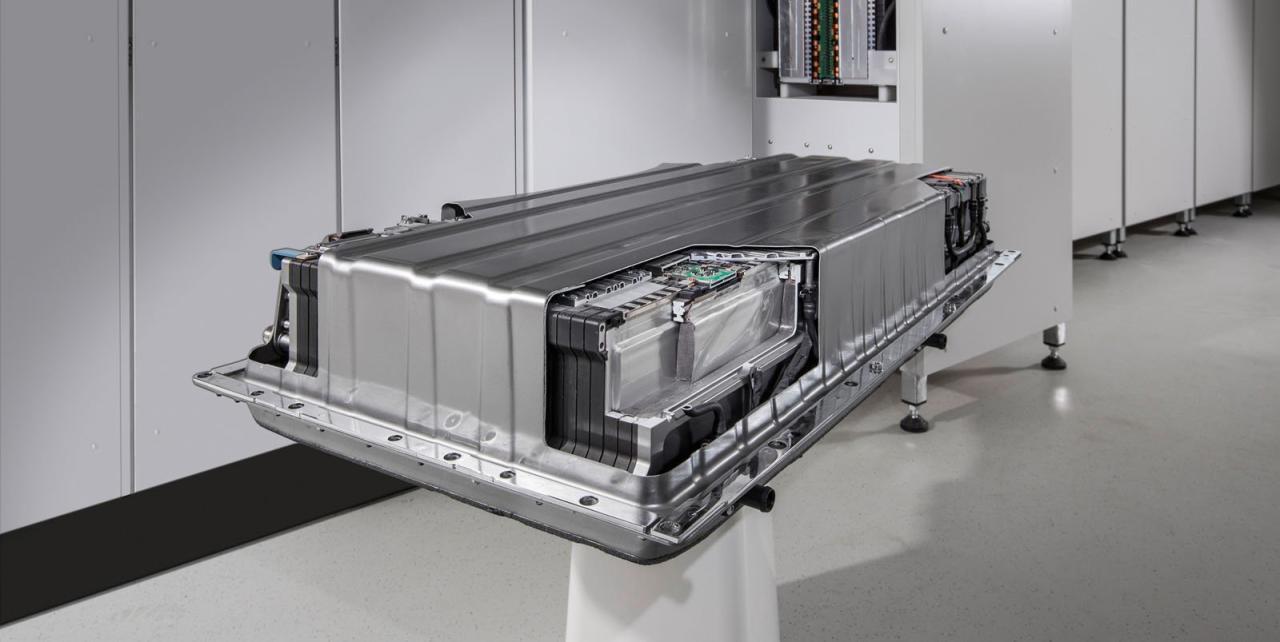 Wie lange Batterien von Elektroautos halten, hängt vor allem von der Anzahl der Schnell-Ladezyklen ab.