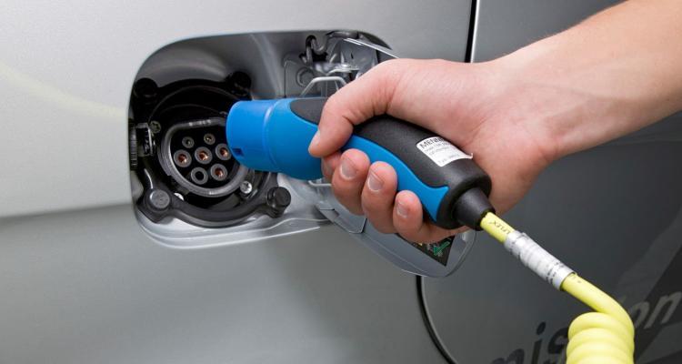 Wie grün ein Elektroauto ist, hängt vor allem von der Herkunft  des gezapften Stroms ab.