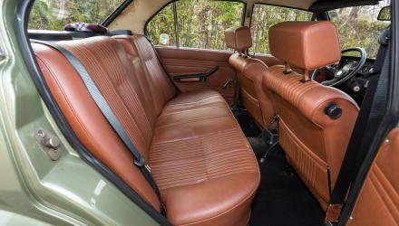 Die Kunst, Kunstleder wie echtes Leder zu verarbeiten, beherrschten neben Jaguar und Lamborghini auch Alfa und Bertone.
