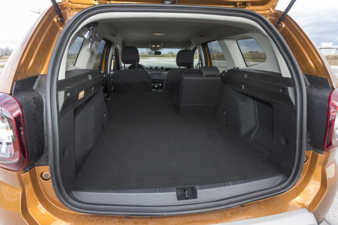 Der breite und flache Kofferraum mit großer Öffnung zählt nach wie vor zu den Besten im Segment. Wer auf das vollwertige Ersatzrad verzichtet, lukriert weitere 35 Liter Laderaum.