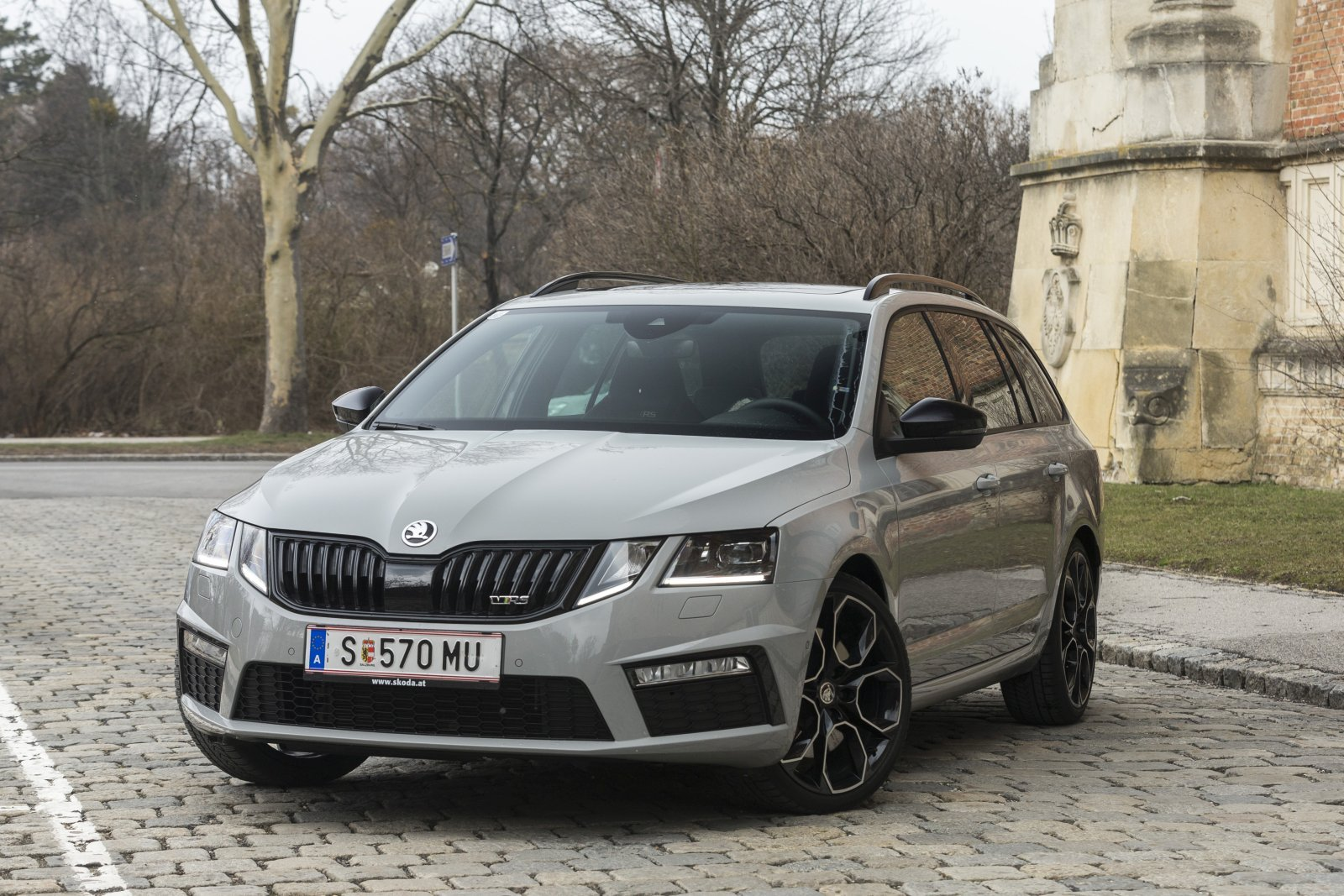 test skoda octavia combi rs 245 alles auto. Black Bedroom Furniture Sets. Home Design Ideas