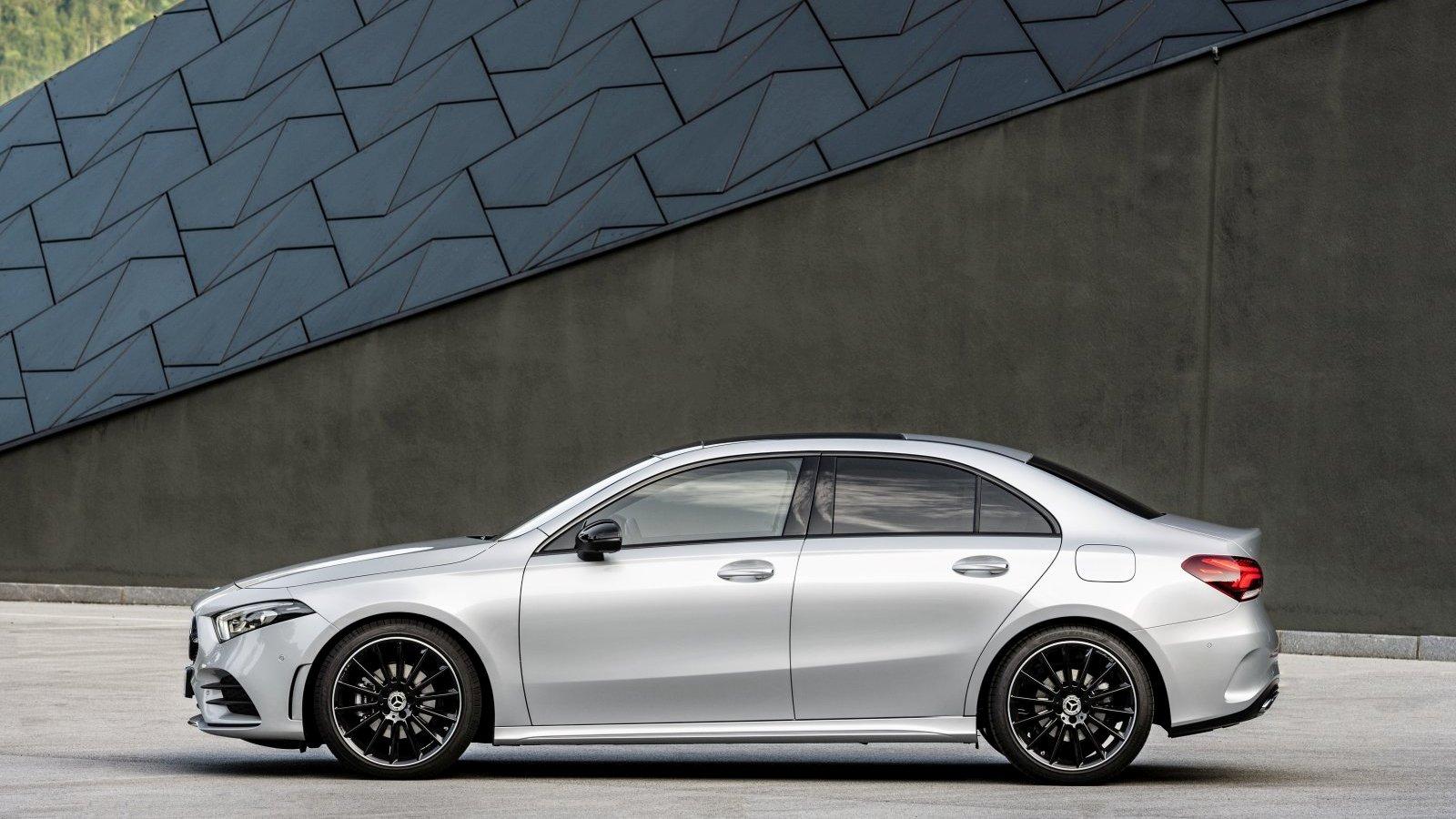 mercedes a klasse limousine vorgestellt alles auto. Black Bedroom Furniture Sets. Home Design Ideas