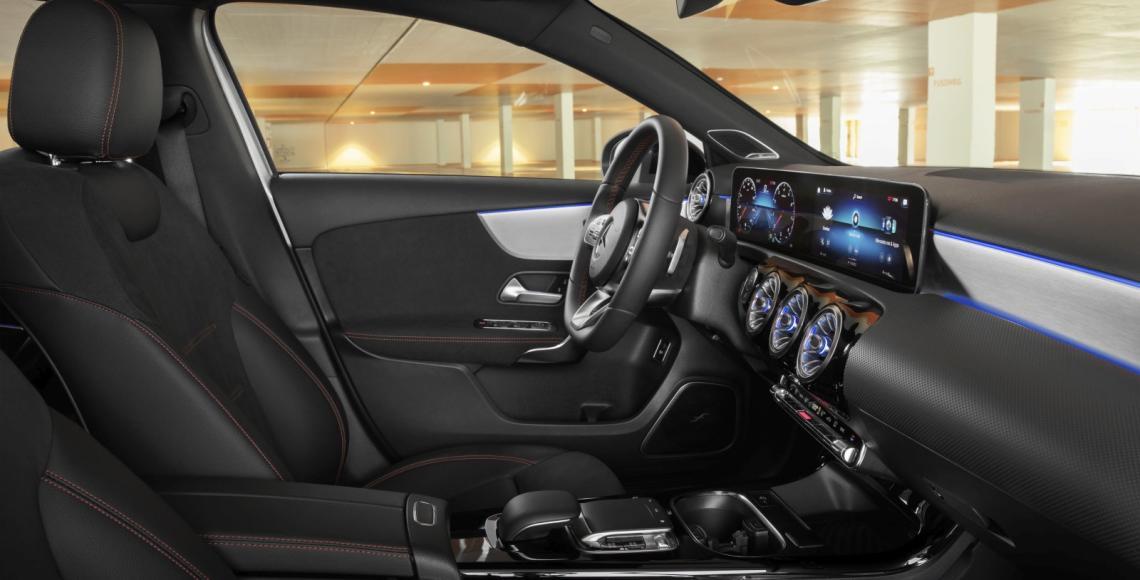 Die neue Mercedes-Benz A-Klasse Limousine Interieur schwarz-1