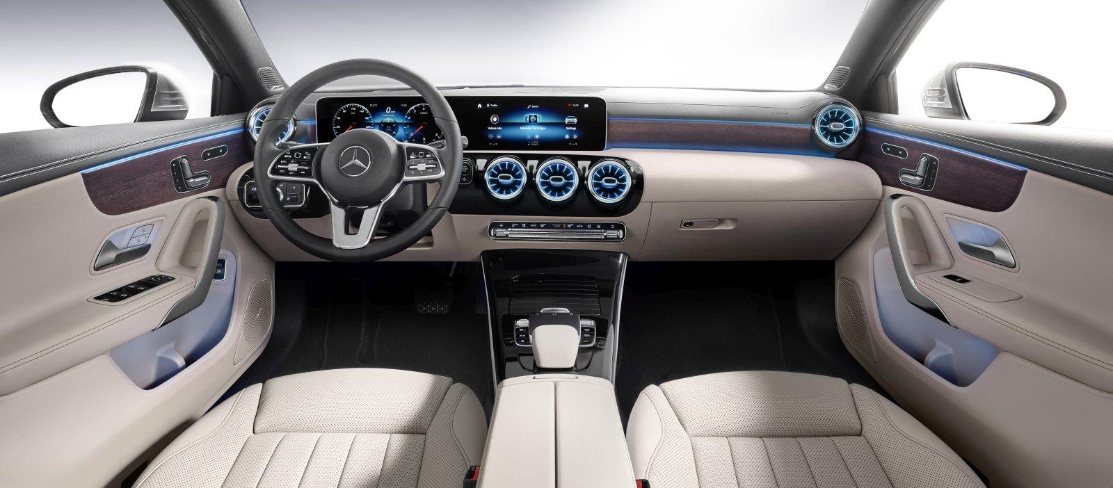 https://www.allesauto.at/wp-content/uploads/2018/07/Die-neue-Mercedes-Benz-A-Klasse-Limousine-Interieur.jpg