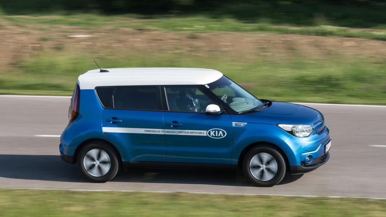 Der Kia Soul EV sieht praktisch aus und ist es auch – neuerdings mit mehr Optik-Pep dank farblich abgesetztem Dach.