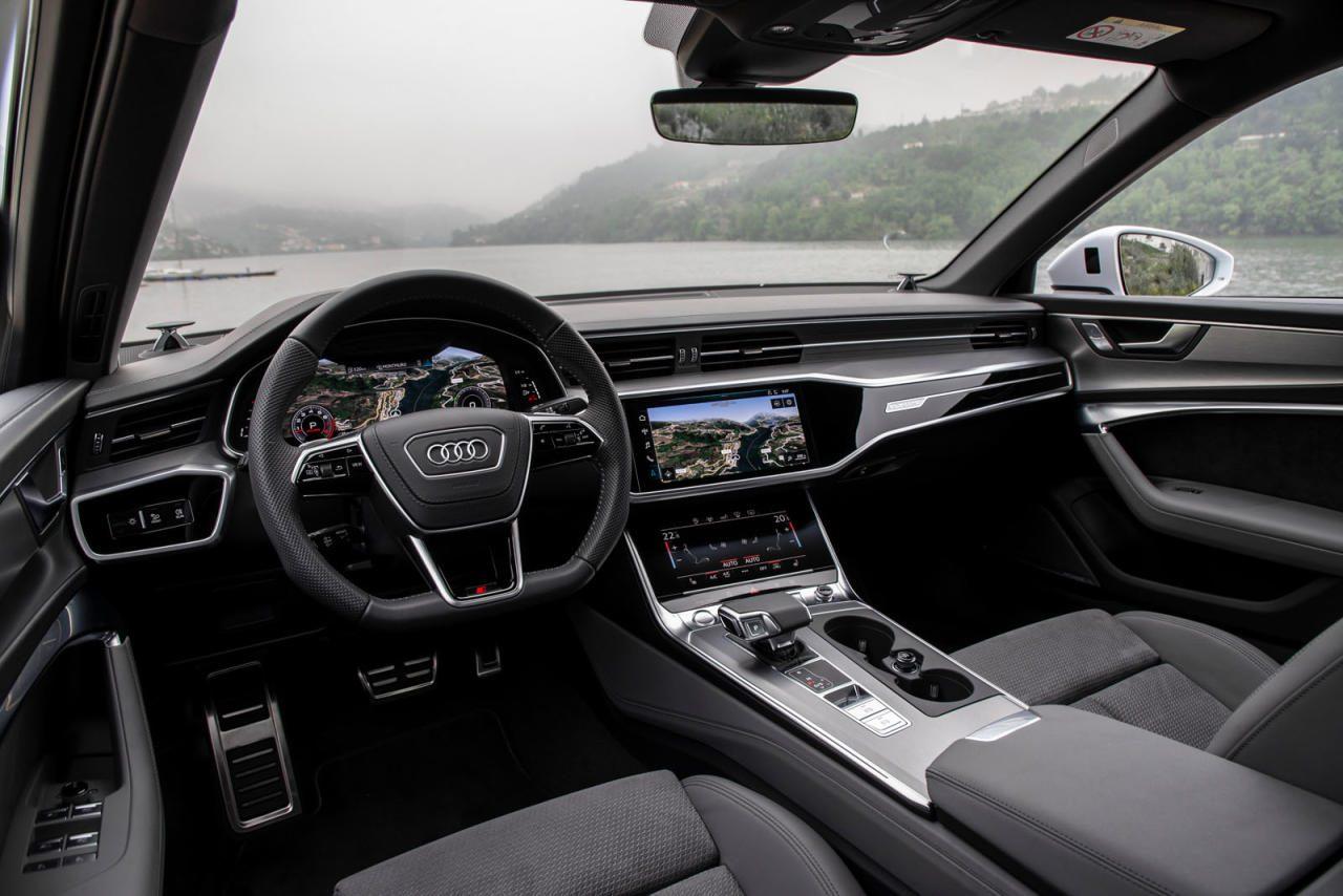 Bei Materialwahl und Verarbeitung kann Audi so bald keiner das Wasser reichen. Sehr wohl aber bei den Ablagen – es gibt nämlich kaum welche.