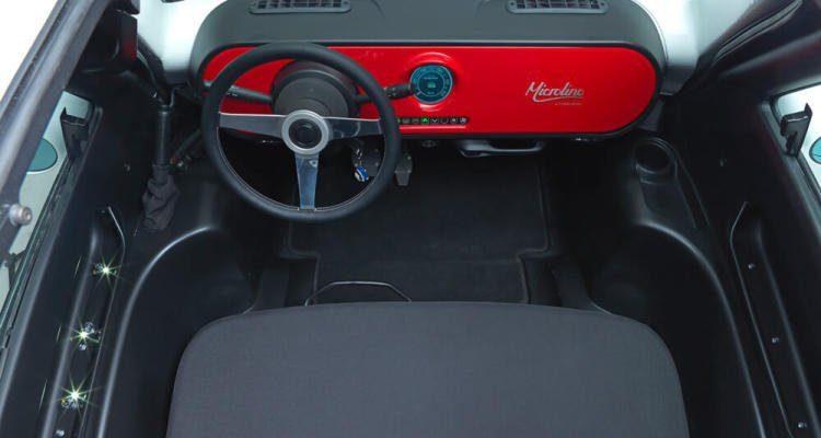 microlino-pre-series-red-interior-small-003