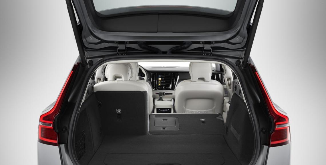 New V60 interior 17