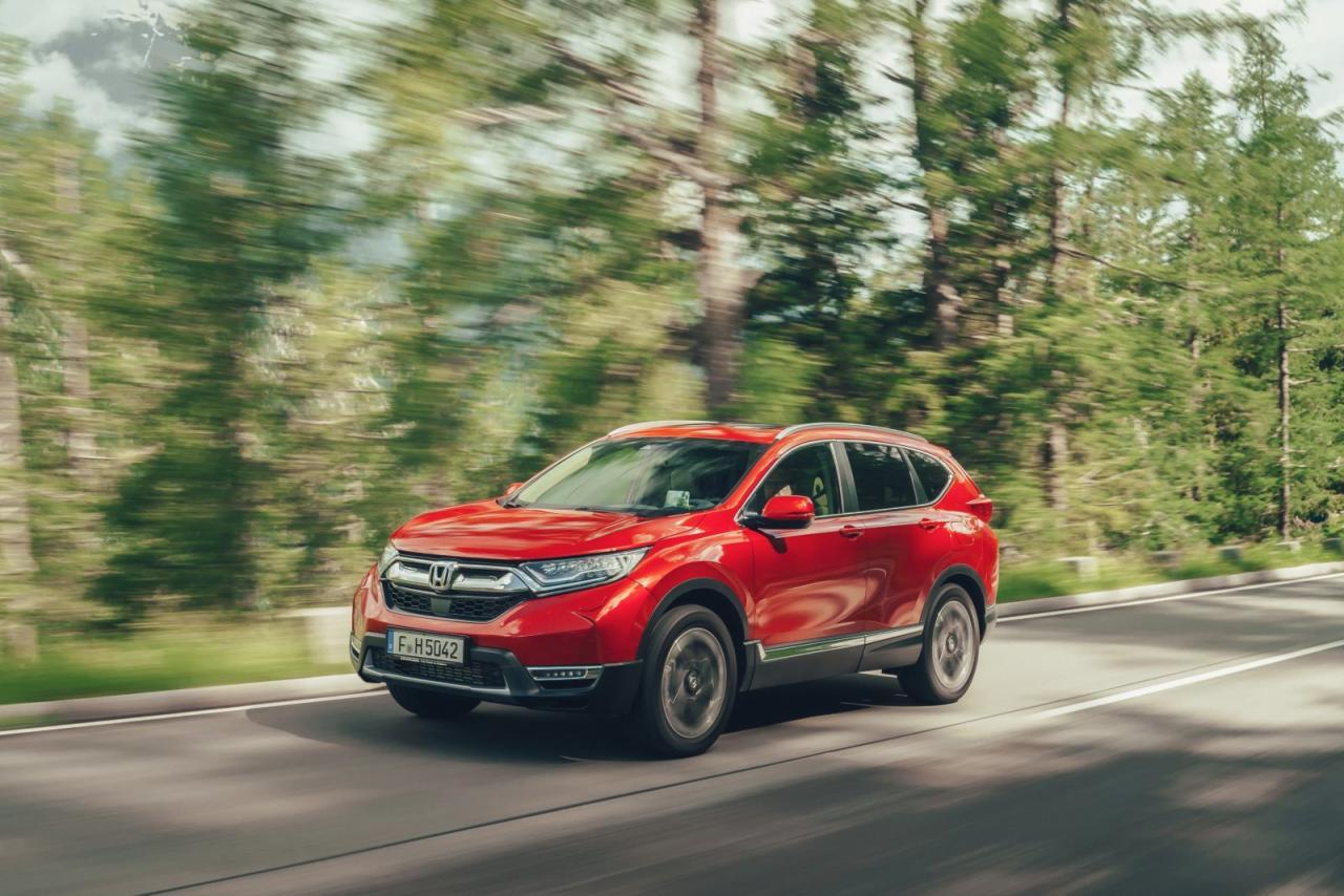 Optisch für Honda-Verhältnisse behutsam nachgeschärft, ist der neue CR-V immer noch sofort als solcher zu erkennen – unterm Blech ist freilich fast alles neu.
