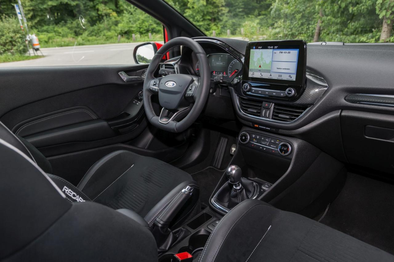 ford_fiesta_st_02_may