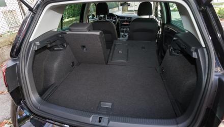 ist minimal voluminöser, die Ladekante des VW liegt dafür etwas niedriger.