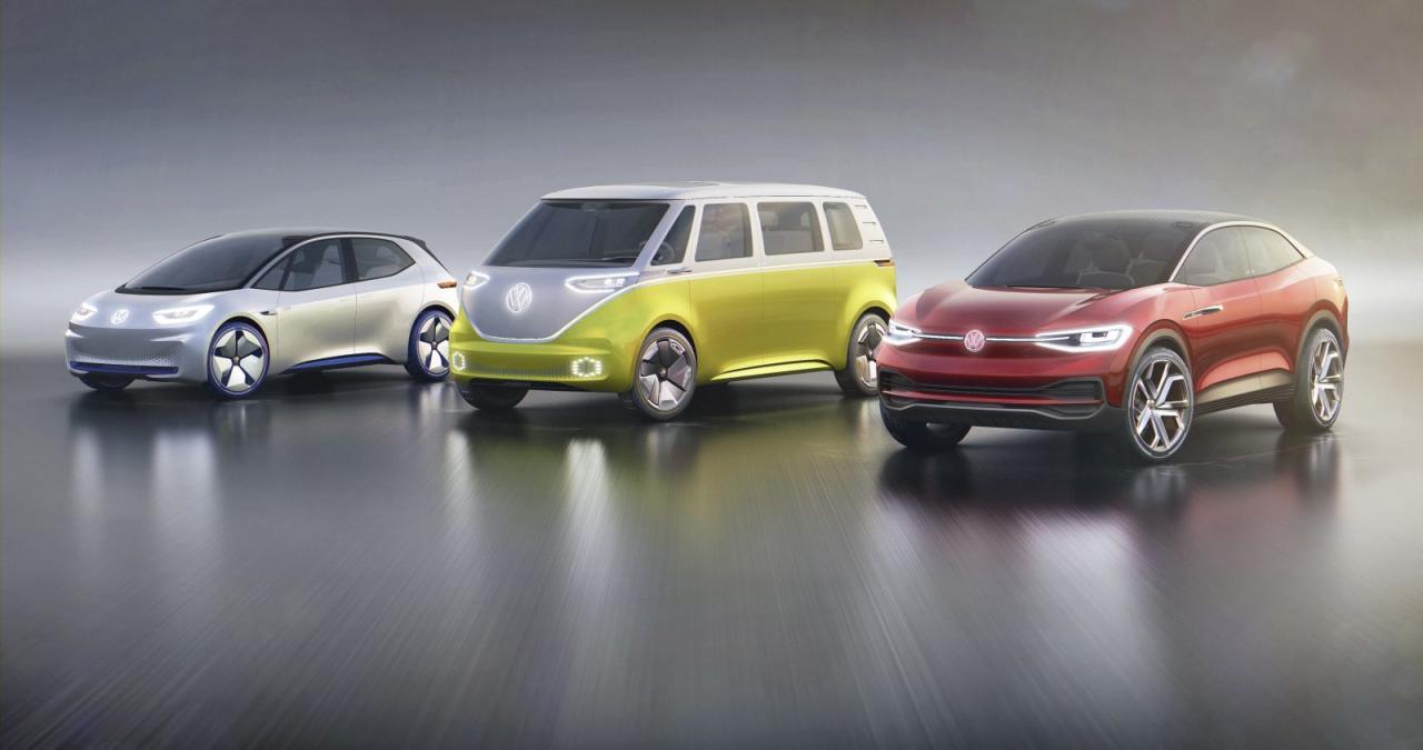 """ID ist als Name für den kompakten VW-Stromer (ganz links) noch nicht endgültig durch – auch """"Neo"""", frei nach dem Revoluzzer  aus der Matrix-Trilogie, hat noch Chancen. Vielleicht  nicht ganz falsch: Einige sehen in  ihm das Potenzial, später einmal  den Golf zu entthronen."""