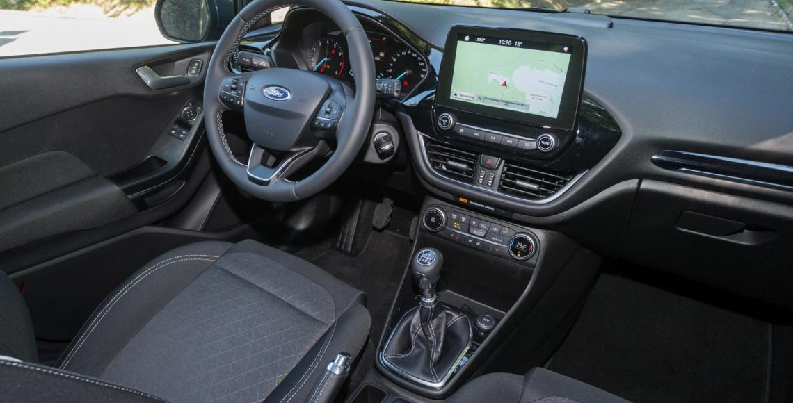 ford_fiesta_active_01_may