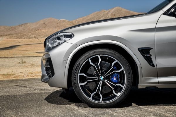P90334519_lowRes_the-all-new-bmw-x3-m