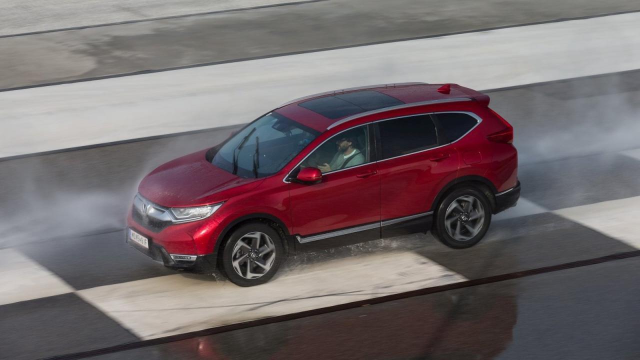 Der CR-V liefert Top-Bremswerte auf allen Untergründen.