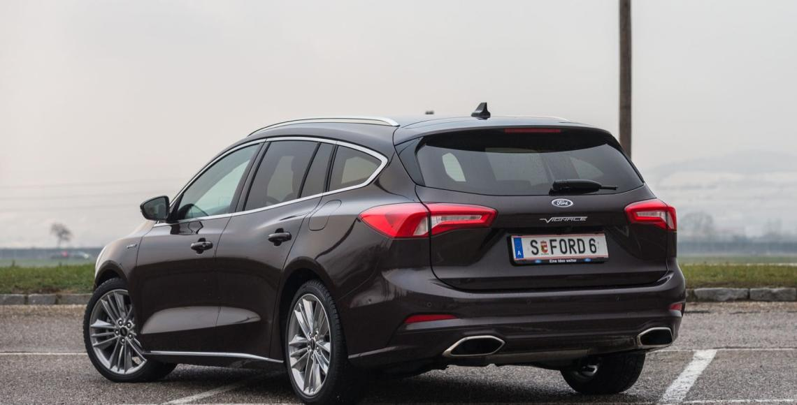 ford_focus_traveller_05_may