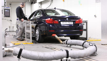 AbgasprŸfung des neuen BMW 530d in Landsberg am Lech am 19.03.2010