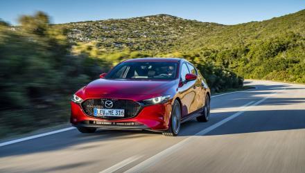 Mazda3_HB_SoulRedCrystal_Action-1