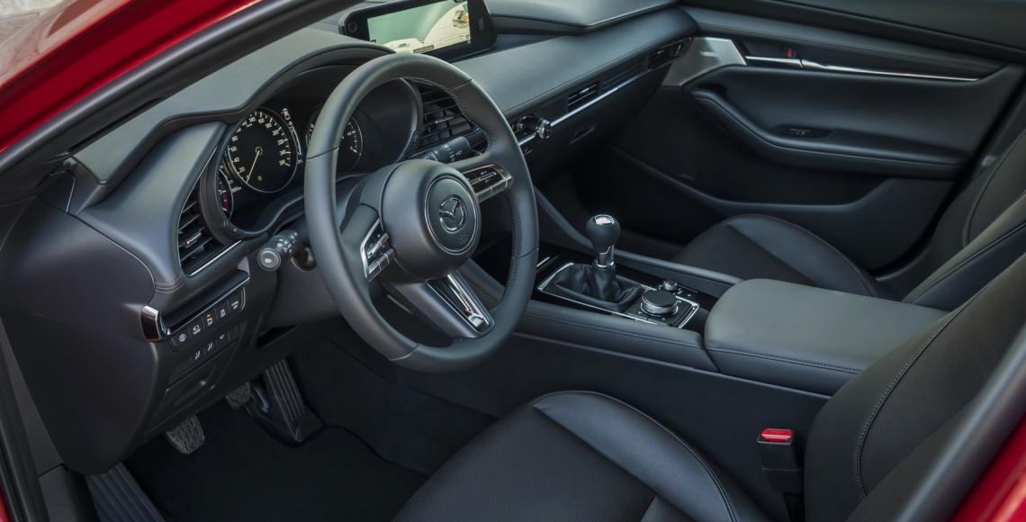 Mazda3_HB_SoulRedCrystal_Interior-3
