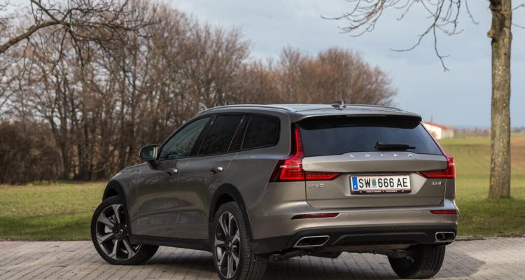 volvo_v60_cross_country_05_may
