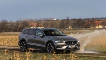 volvo_v60_cross_country_08_may